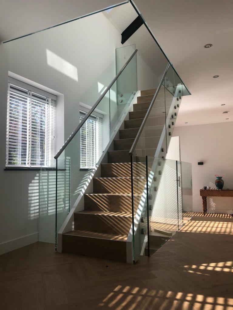 glazen trapleuningen