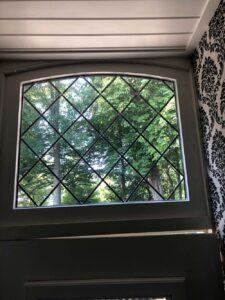 glas in lood raam boven voordeur