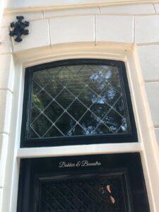 voordeur met glas in lood raampje